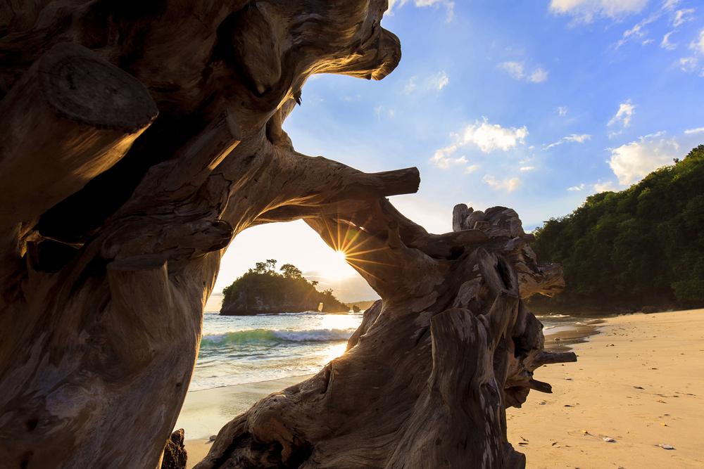The Beauty of your light © I Wayan Yudik