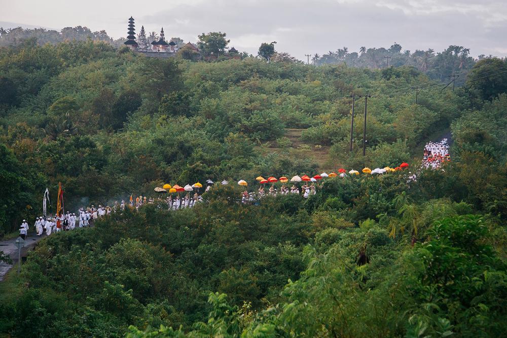 Melasti di Desa Sebunibus ©Pande Mardana