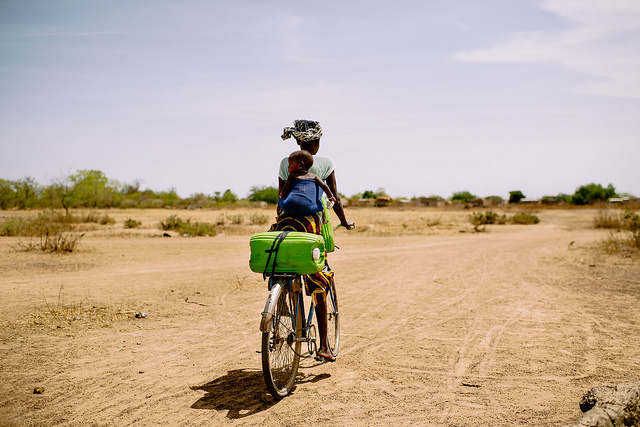 burkina-faso-bicycle-batansabocottage-nusapenidatours
